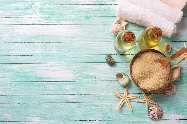 Top 6 эфирных масел для ухода за кожей и косметических процедур