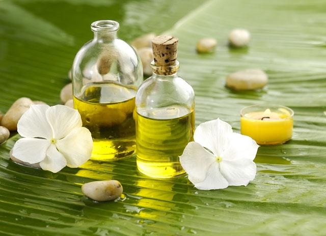 efirnoye2.jpg - Одним из главных преимуществ, которое дает эфирное масло - это помощь в достижении здоровой, чистой и сияющей кожи.