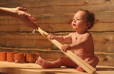 Ребенок в бане и сауне.